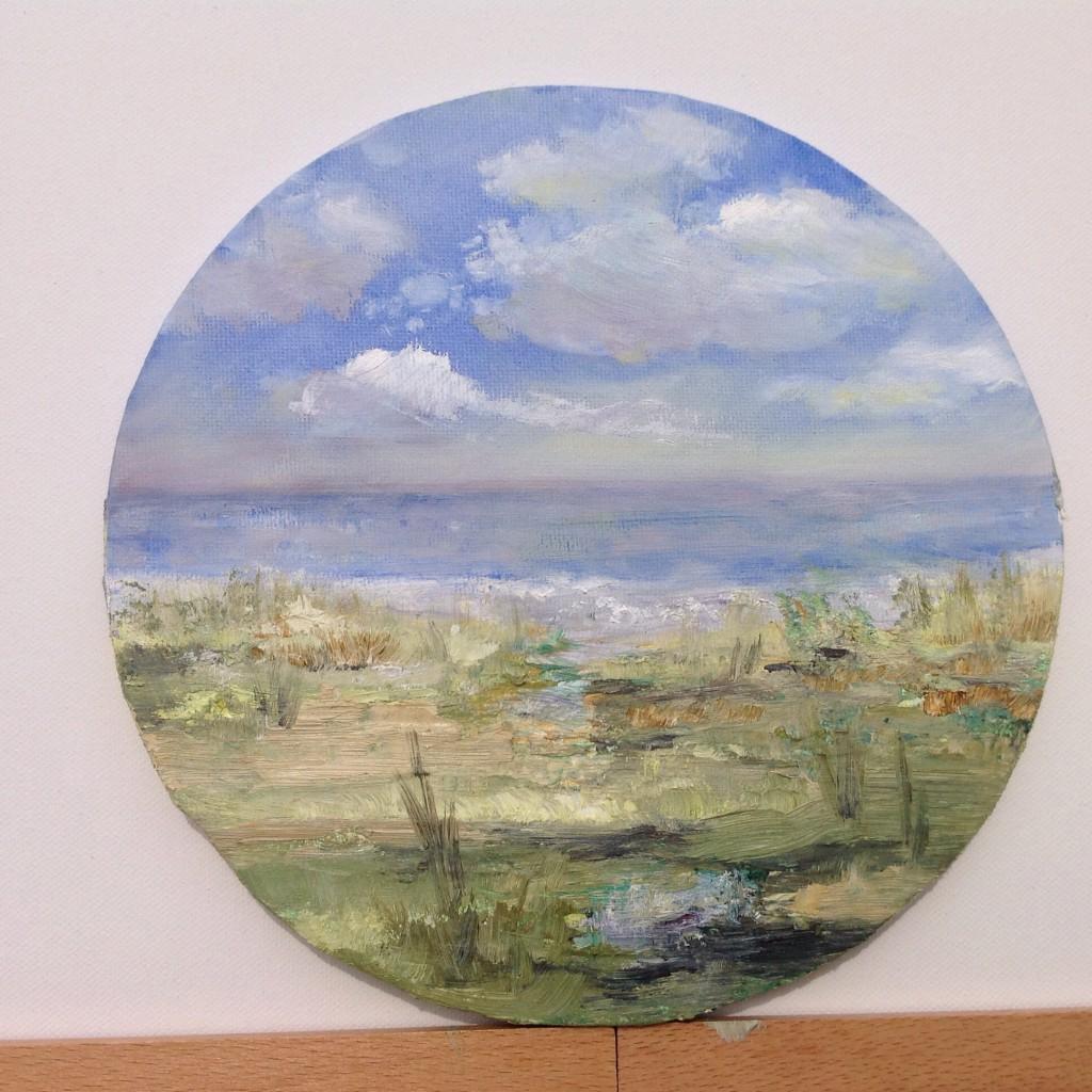 Liten, 20 cm i diameter, rund oljemålning. Motivet hämtat från Gislövs Läge.